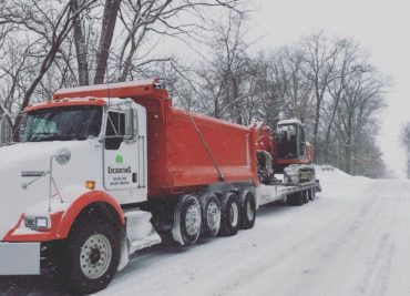https://walnutgroveexcavating.com/wp-content/uploads/2018/03/Dump-Truck-Snow-e1520687934310-370x267.jpg